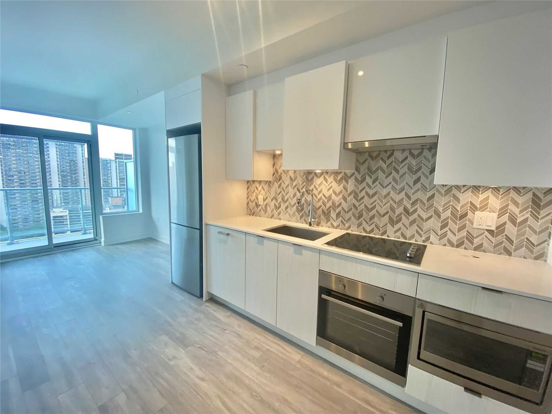 99 Broadway  Ave, unit 1801 Nt for rent in Toronto - image #1