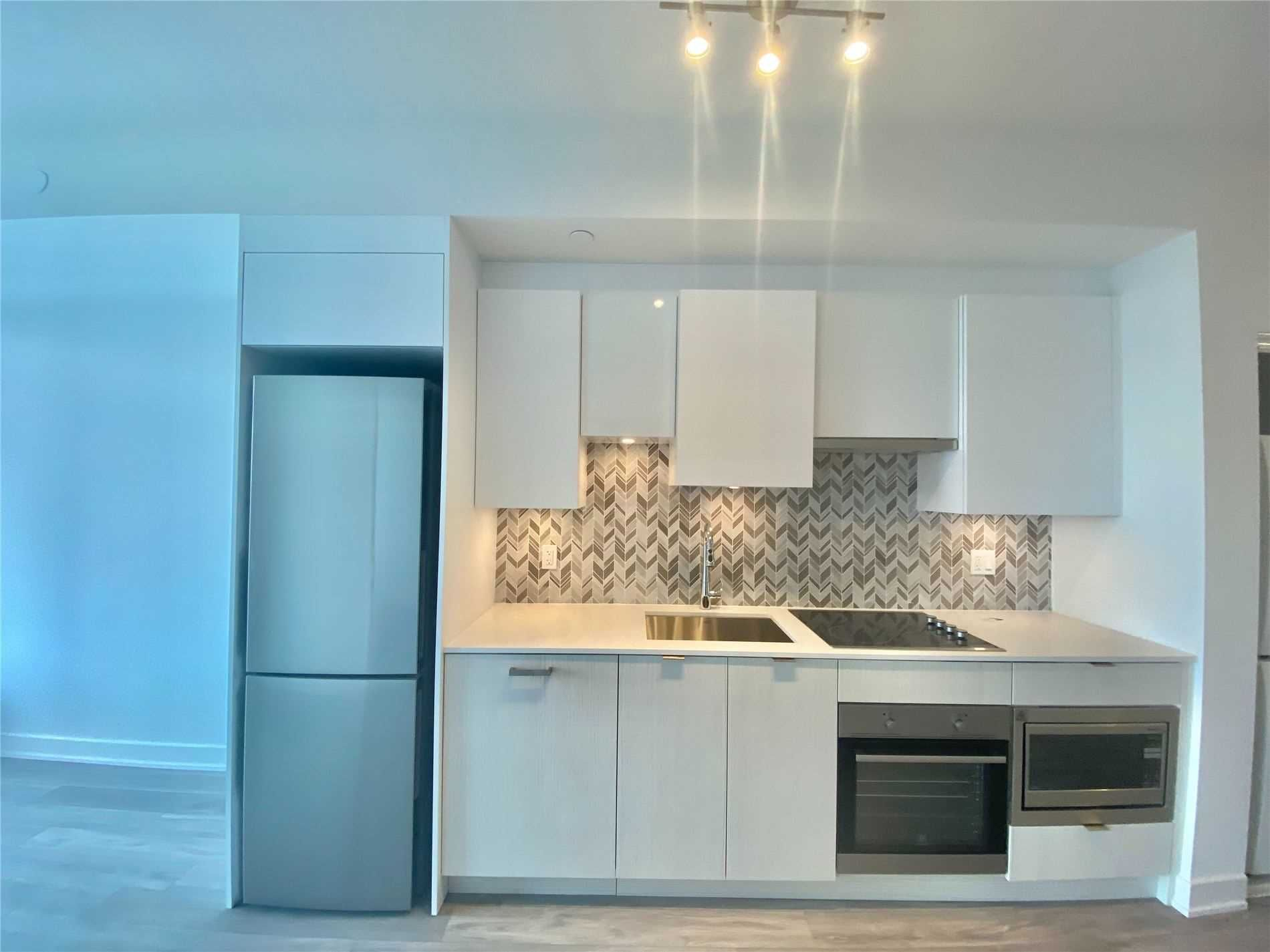 99 Broadway  Ave, unit 1801 Nt for rent in Toronto - image #2