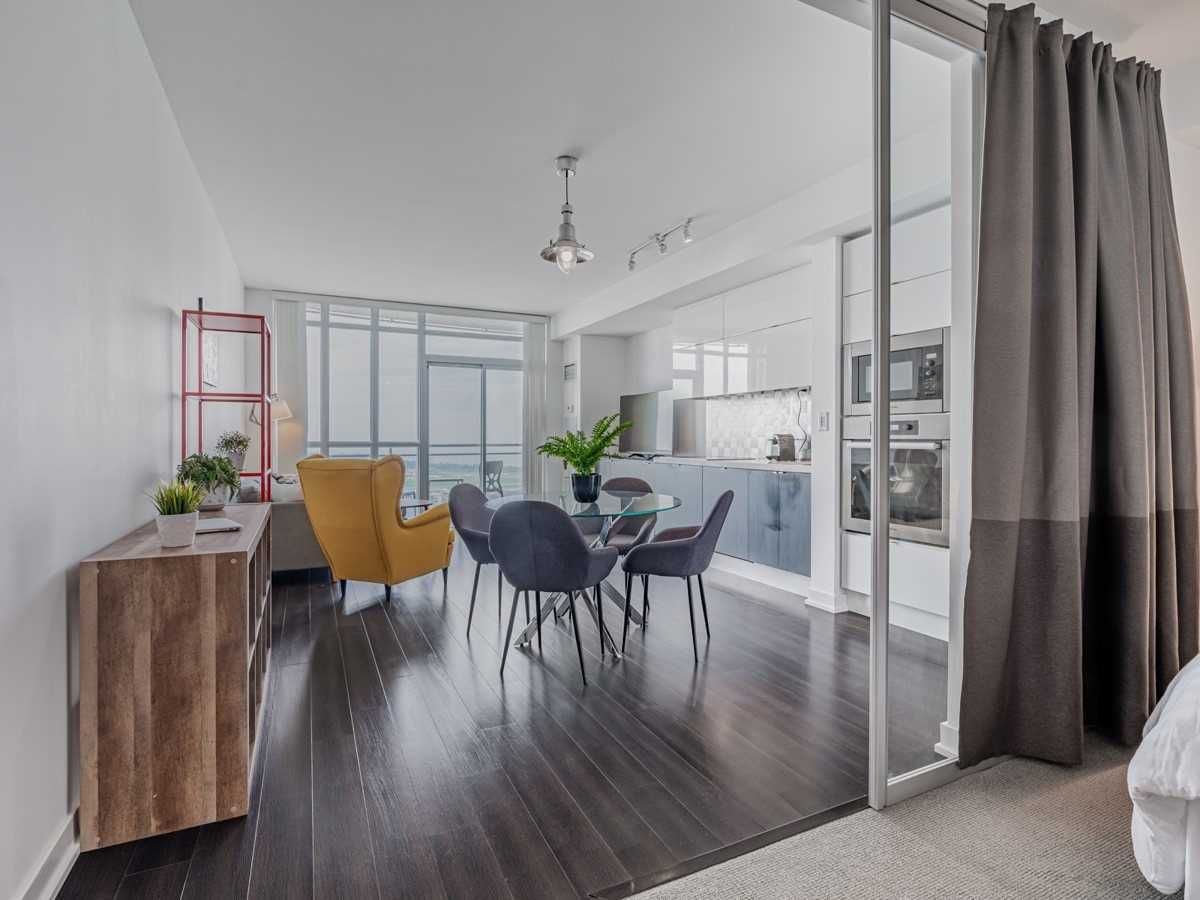 21 Iceboat Terr, unit 3607 for sale in Toronto - image #2