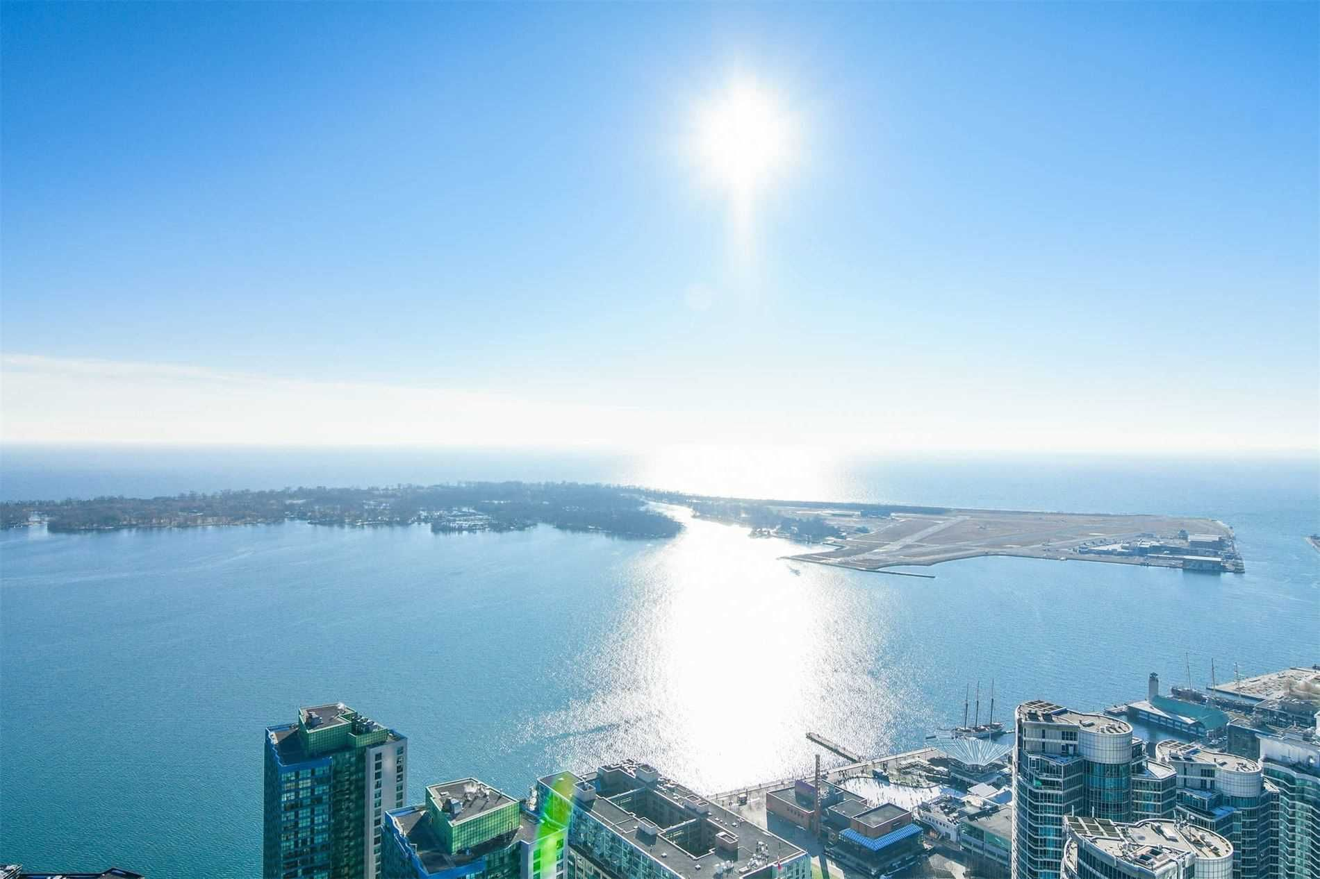 88 Harbour St, unit 6610 for rent in Toronto - image #2