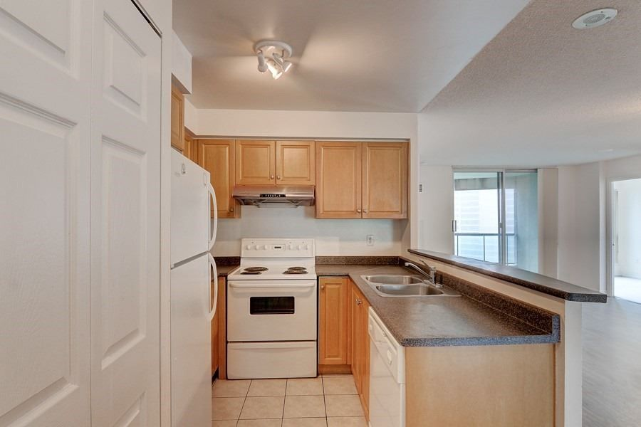 7 Lorraine Dr, unit 2112 for sale in Toronto - image #2