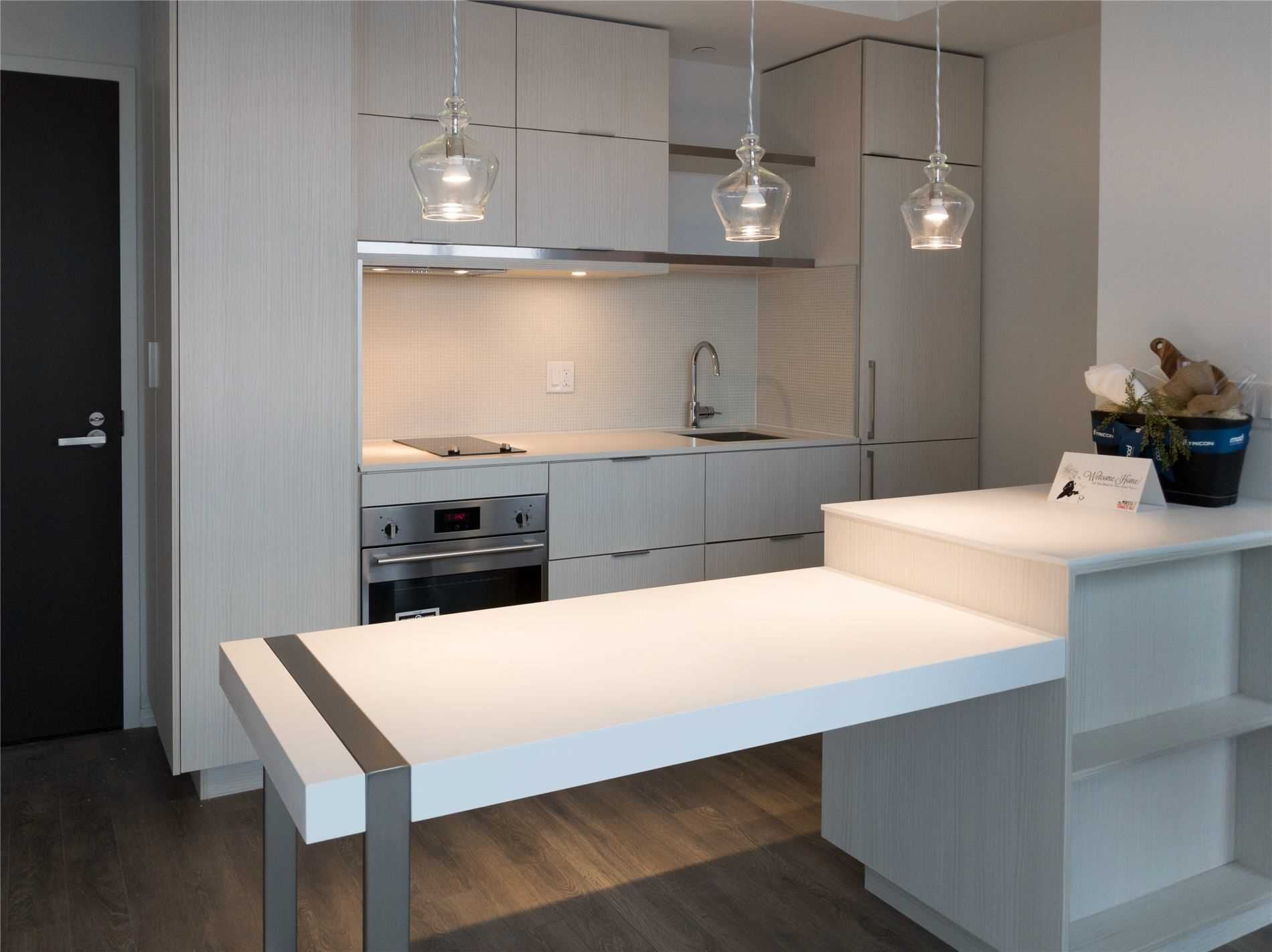 197 Yonge St, unit 5413 for rent in Toronto - image #2