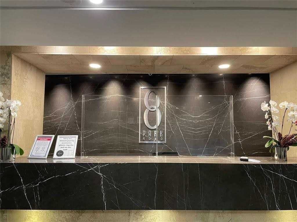 8 Park Rd, unit 2812 for sale in Toronto - image #2