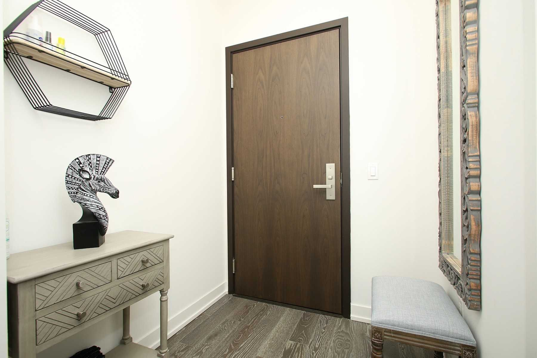 1 Yorkville Ave, unit 2209 for sale in Toronto - image #2