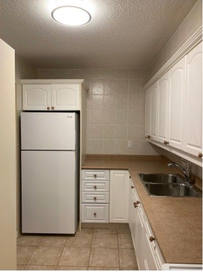 40 Sunrise Ave, unit 109 for rent in Toronto - image #2