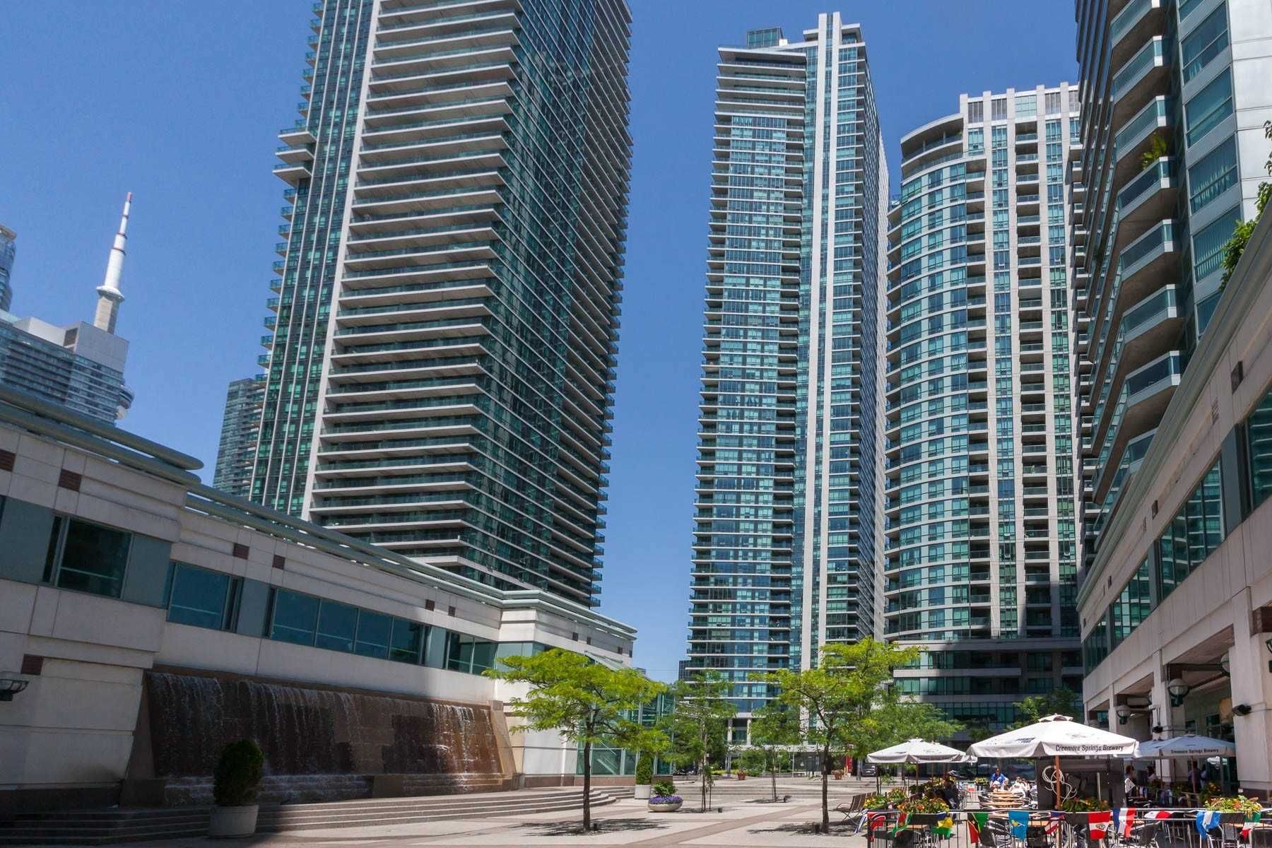 33 Bay St, unit 3505 for rent in Toronto - image #1