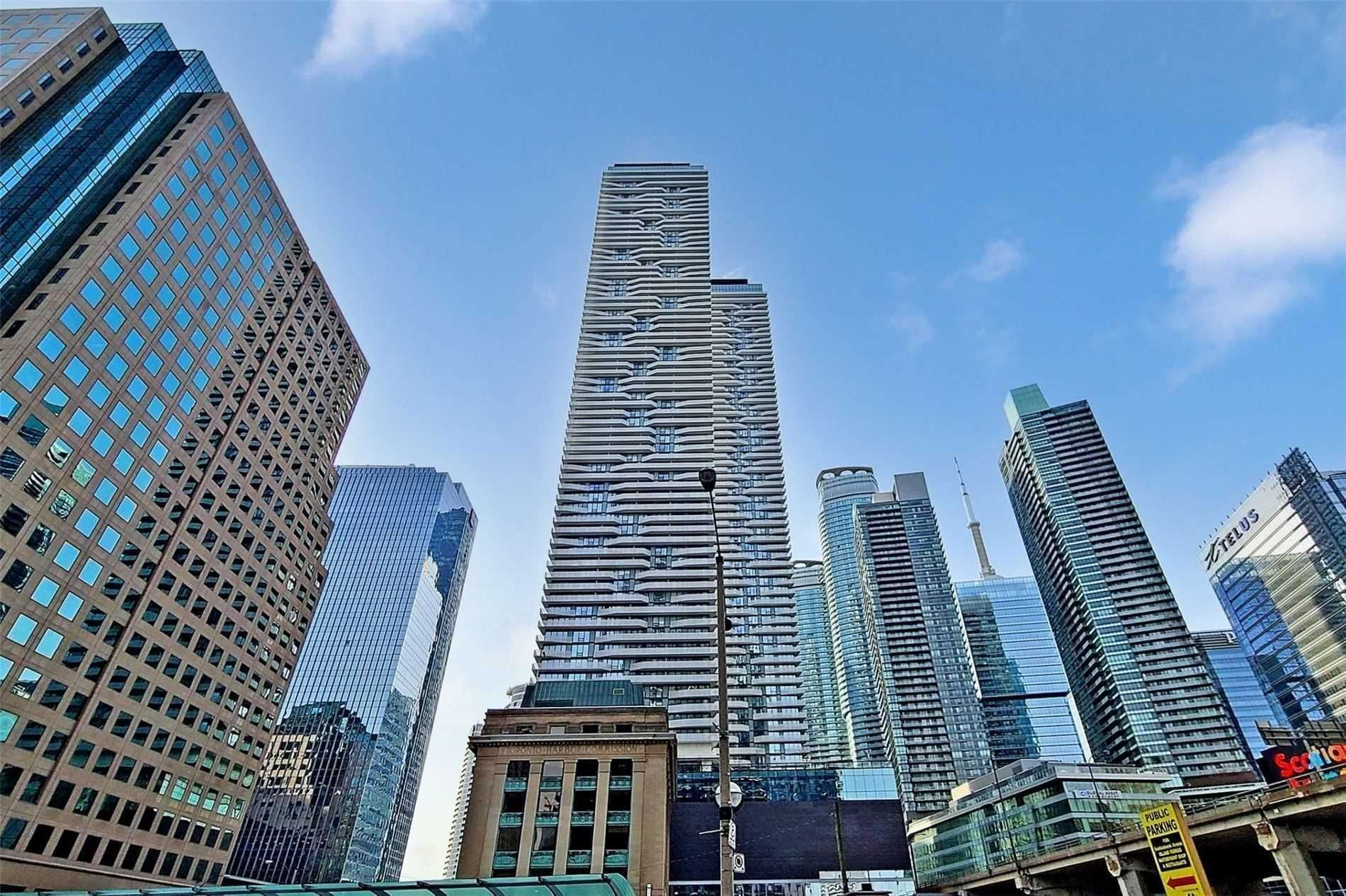 88 Harbour St, unit 3902 for sale in Toronto - image #1