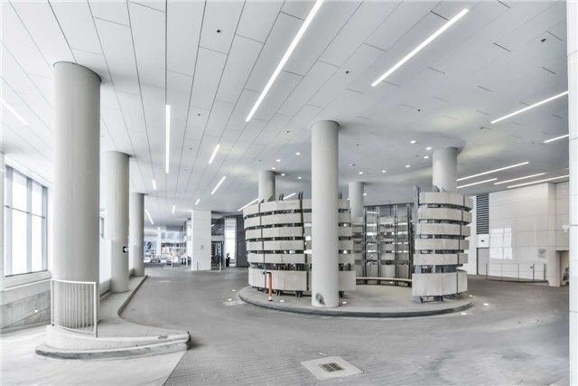 88 Harbour St, unit 3902 for sale in Toronto - image #2