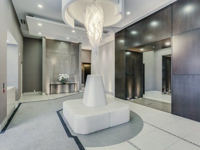 23 Glebe Rd W, unit 422 for rent in Toronto - image #2