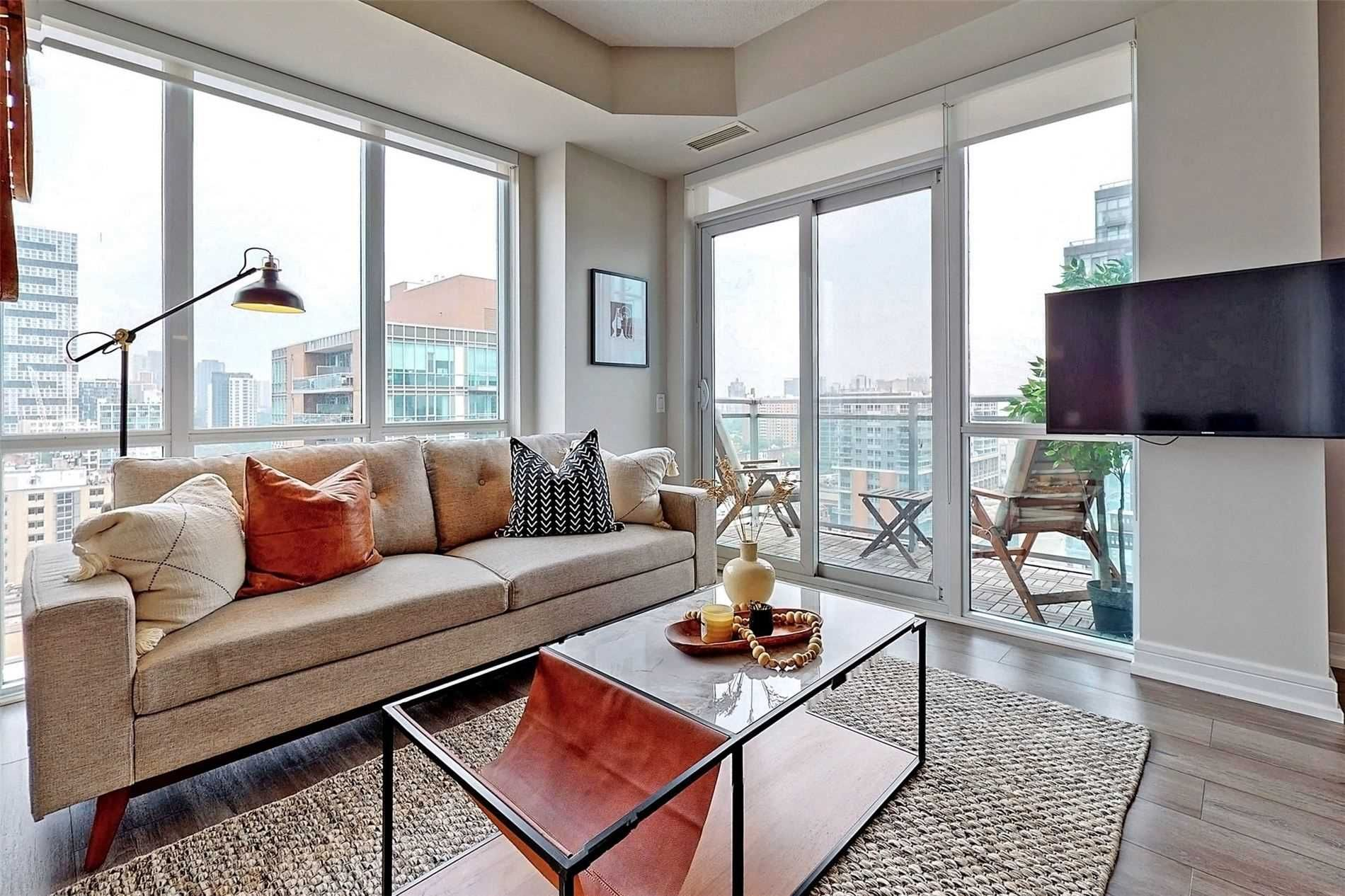 112 George St, unit S1501 for sale in St. Lawrence - image #2