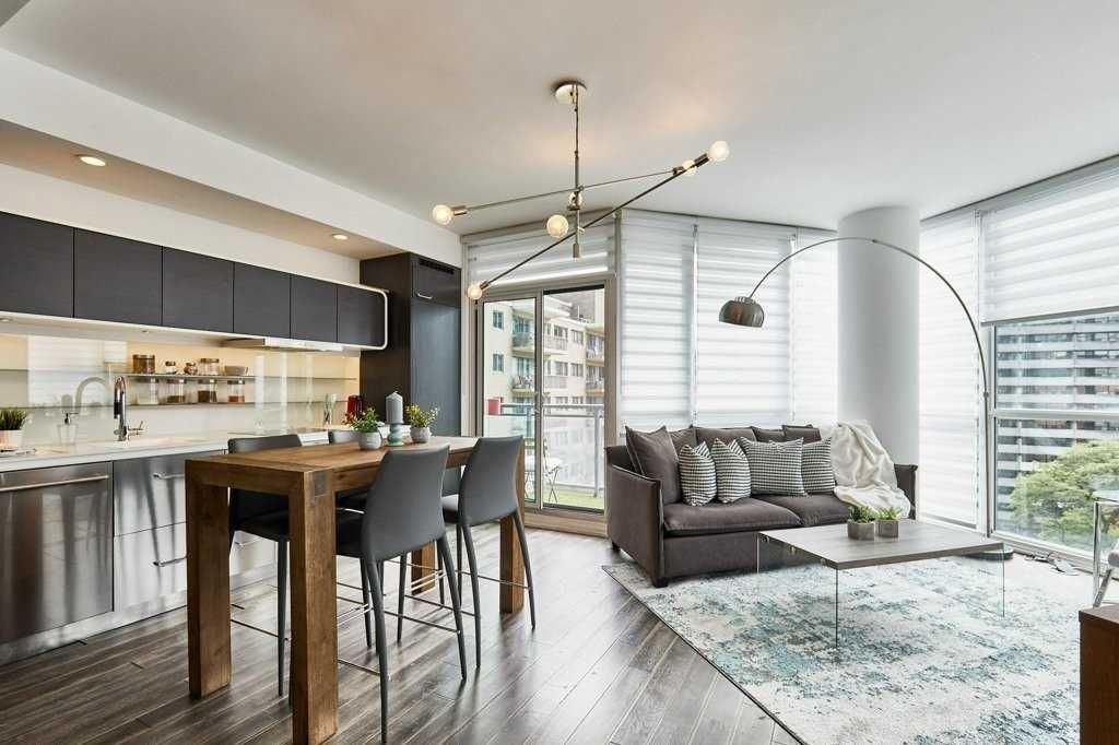 45 Charles St E, unit 801 for sale in Yonge and Bloor - image #1