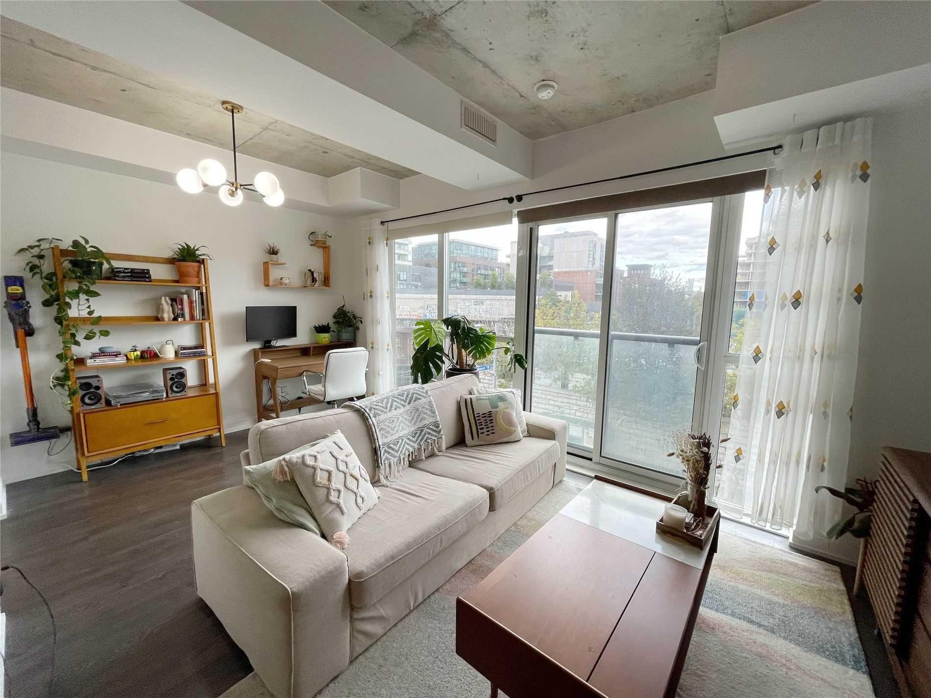 1205 Queen St W, unit 310 for rent in Parkdale - image #2