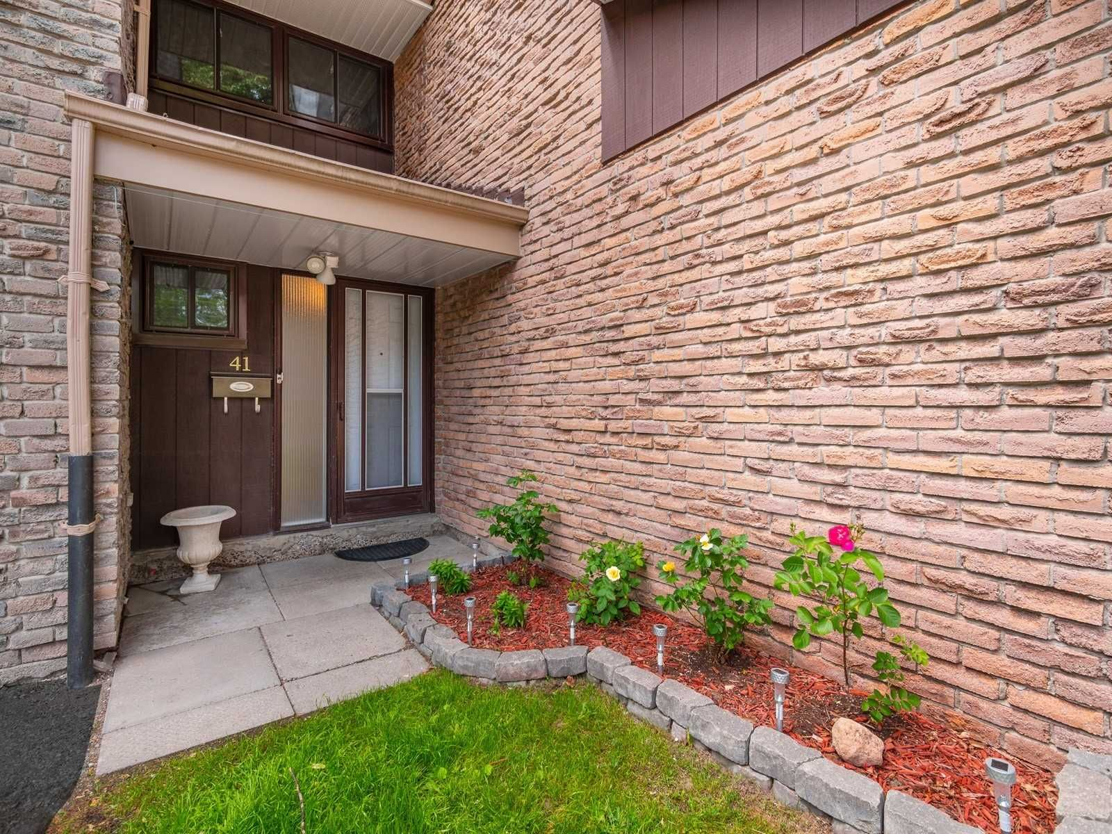 1958 Rosefield Rd, unit 41 for sale in Toronto - image #2