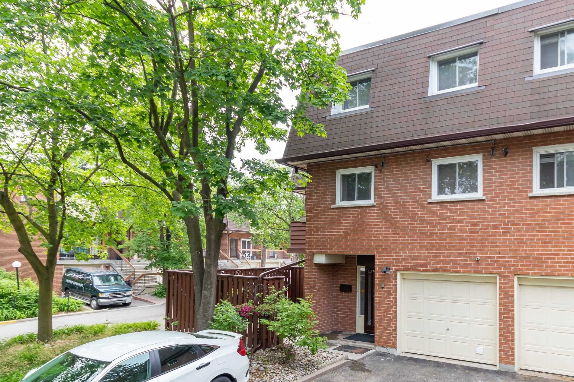 152 Homestead Rd, unit 16 for sale in Toronto - image #1