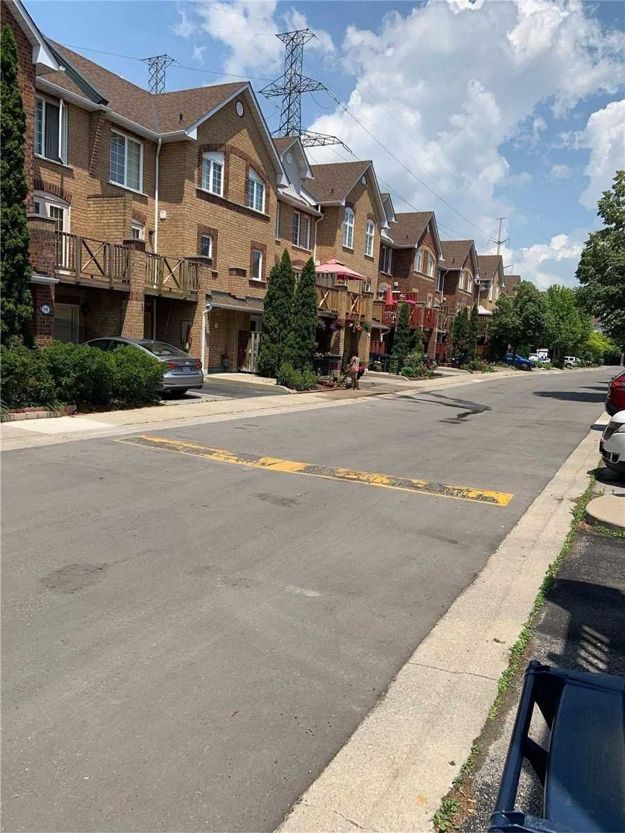 2 Hedge End Rd, unit #80 for sale in Toronto - image #2