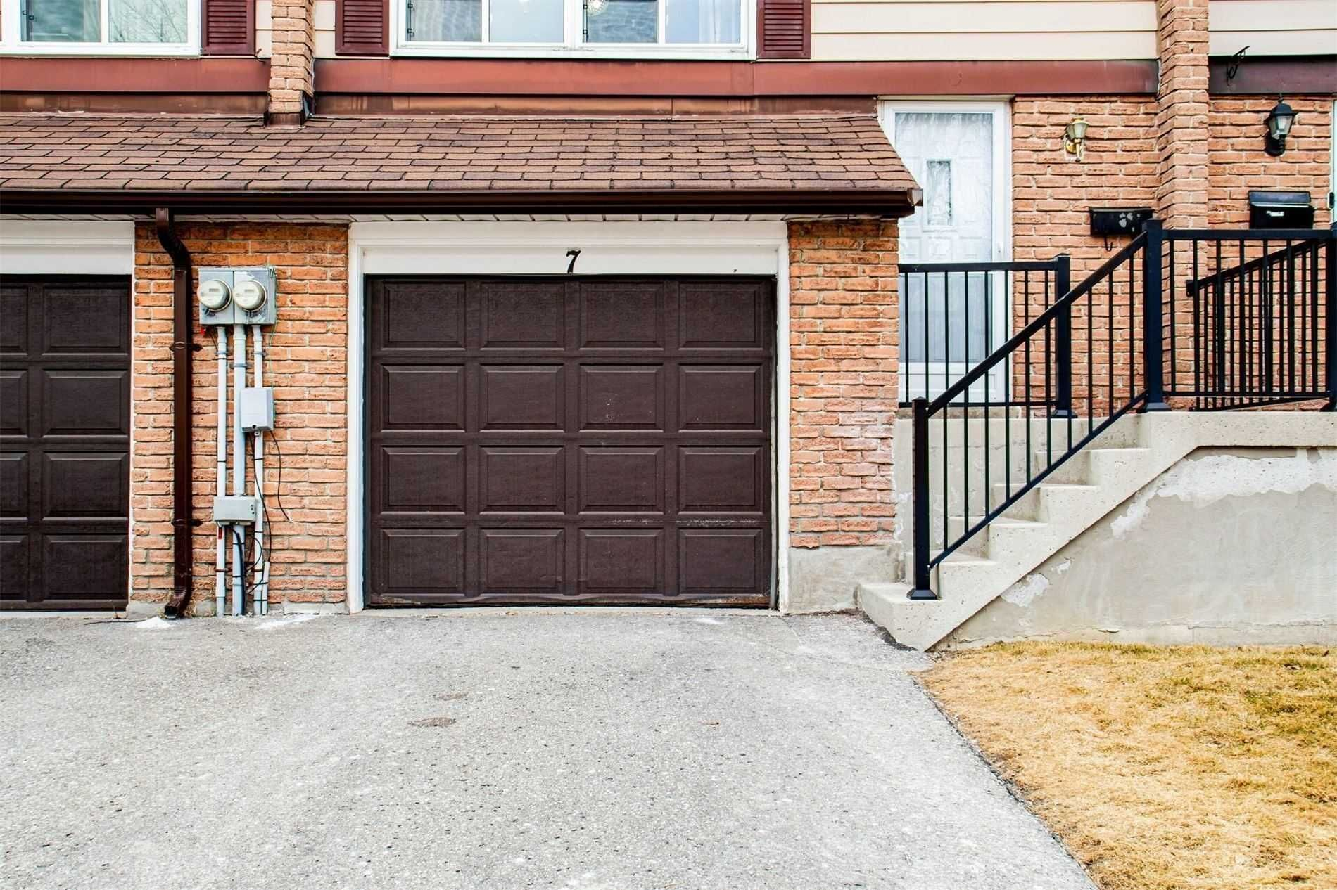 320 Blackthorn St, unit 7 for sale in Toronto - image #2