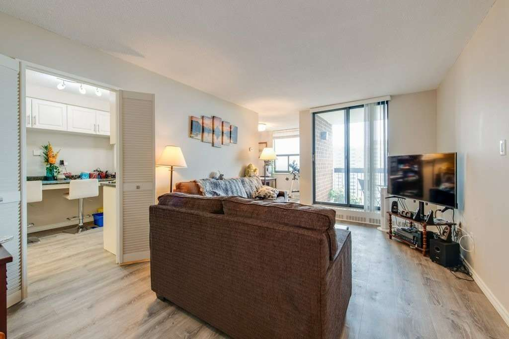 90 Ling Rd, unit 1512 for sale in Toronto - image #1