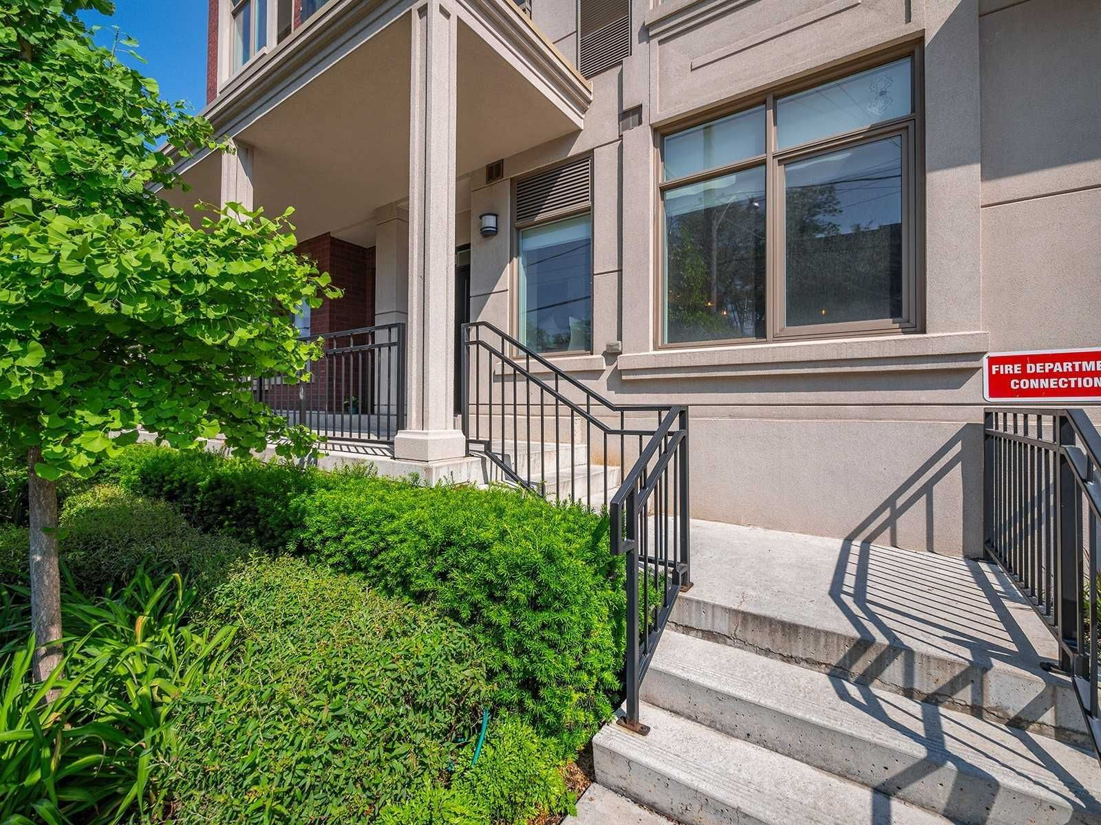 580 Kingston Rd, unit Th2 for sale in Toronto - image #1