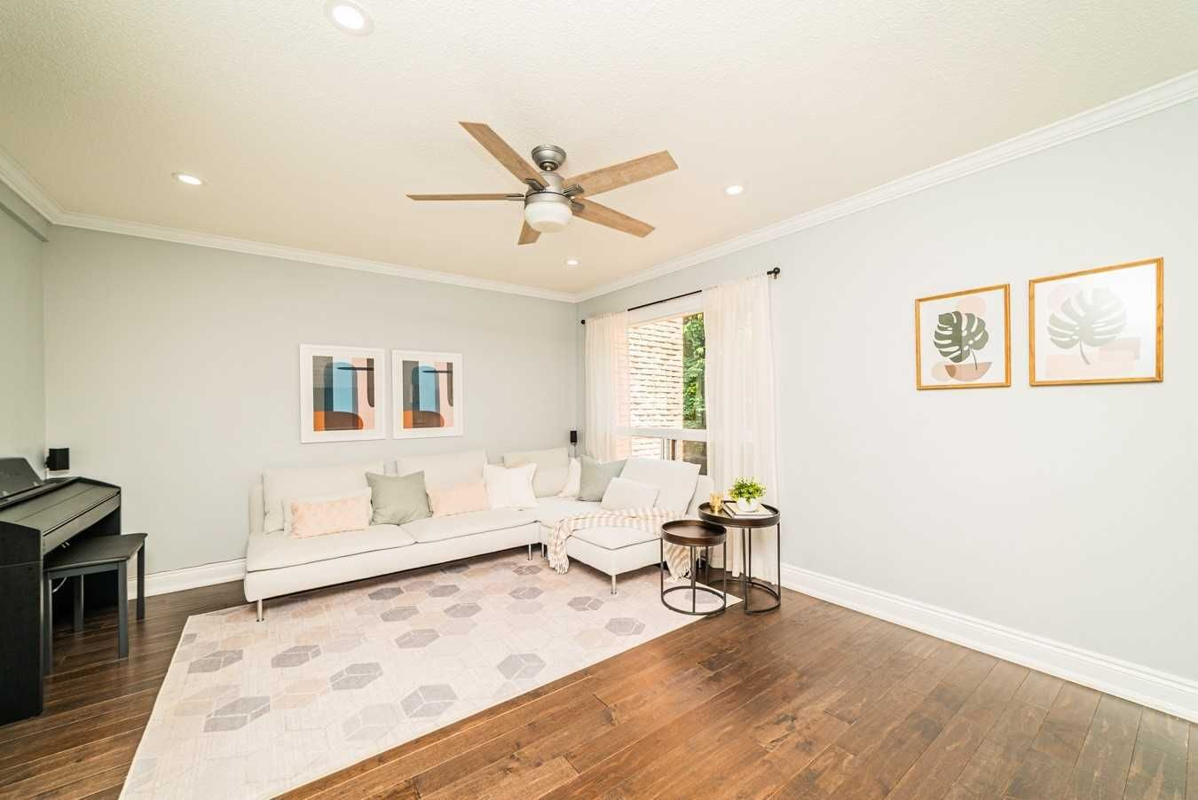 12 The Bridle Path, unit null for sale in Toronto - image #2