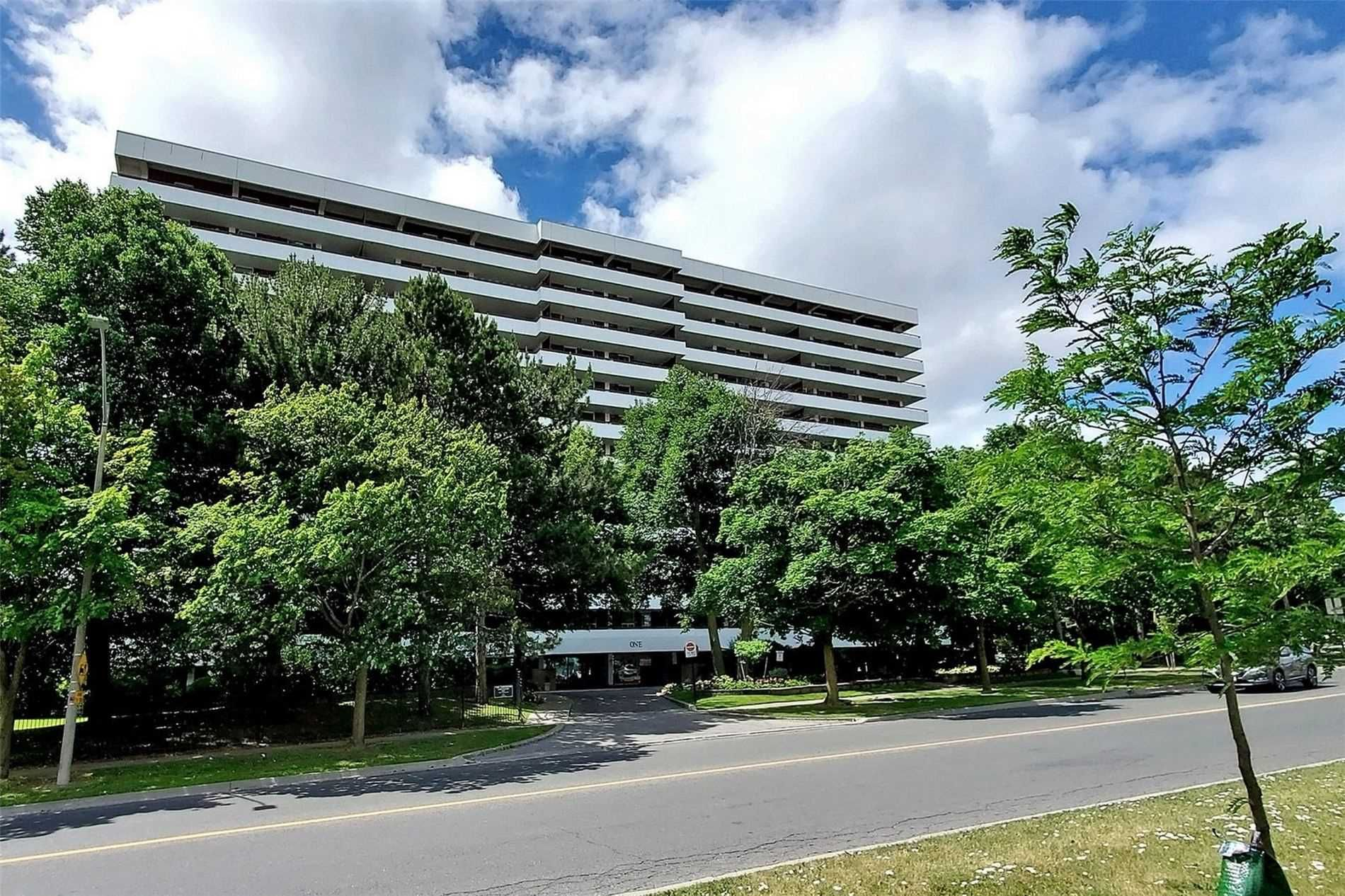 1 Royal Orchard Blvd, unit 1207 for sale in Toronto - image #2