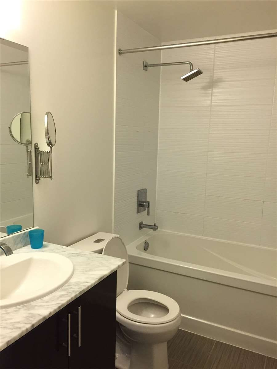 7171 Yonge St, unit 611 for rent in Toronto - image #2