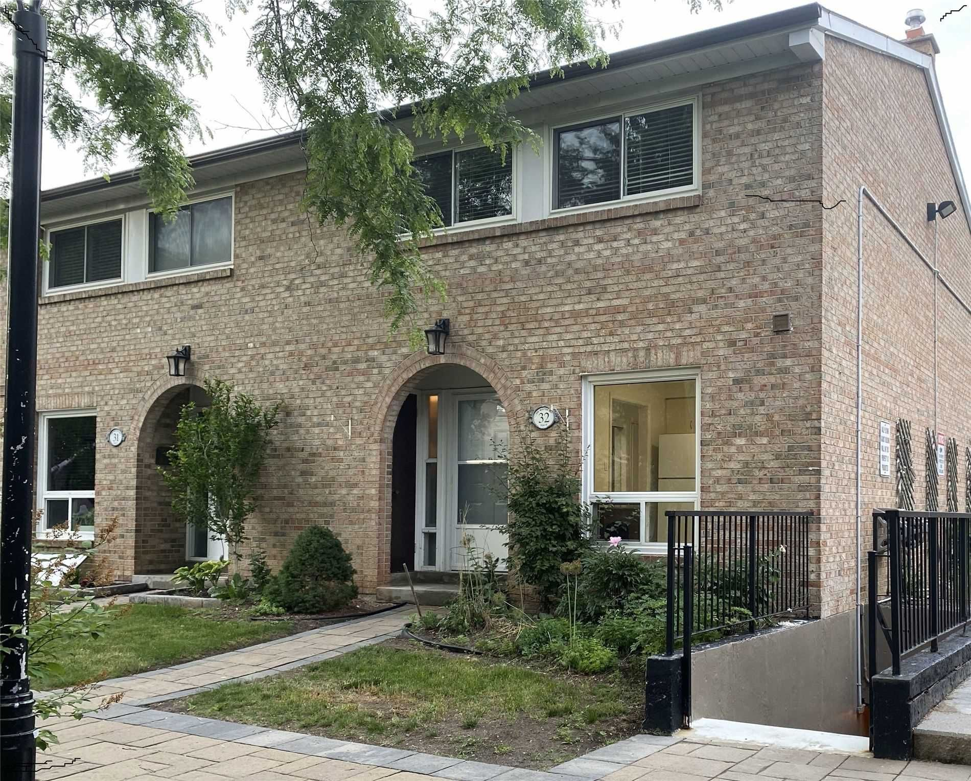 1 Wootten Way S, unit 32 for sale in Toronto - image #1