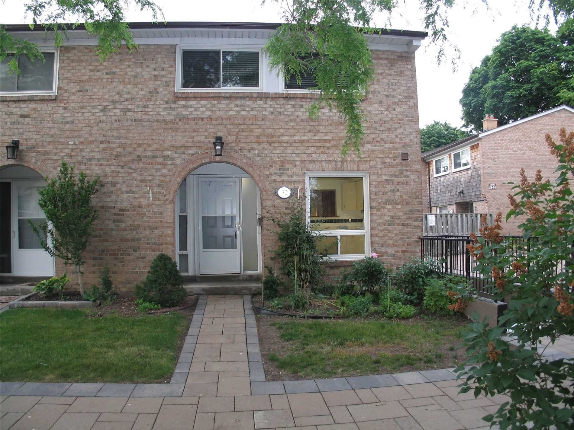 1 Wootten Way S, unit 32 for sale in Toronto - image #2