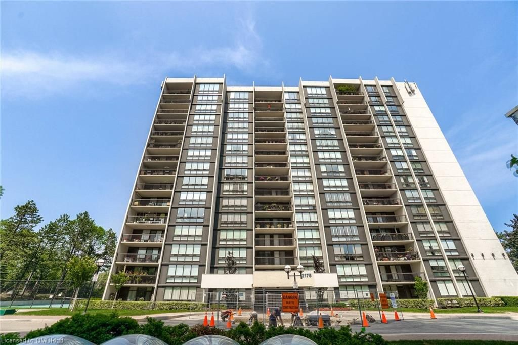 2175 Marine Dr, unit 605 for rent in Toronto - image #2
