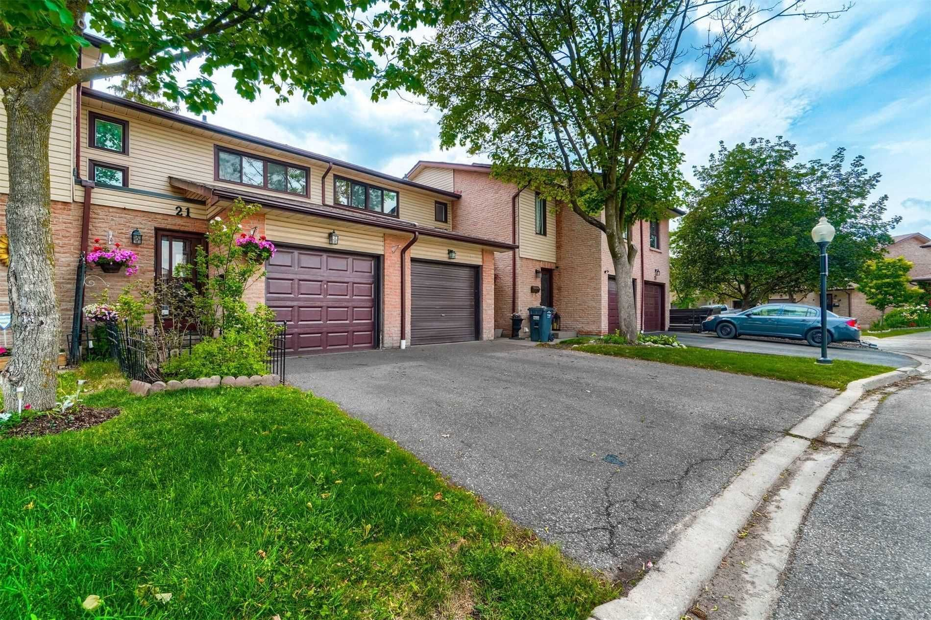 21 Collins Cres, unit null for sale in Toronto - image #1