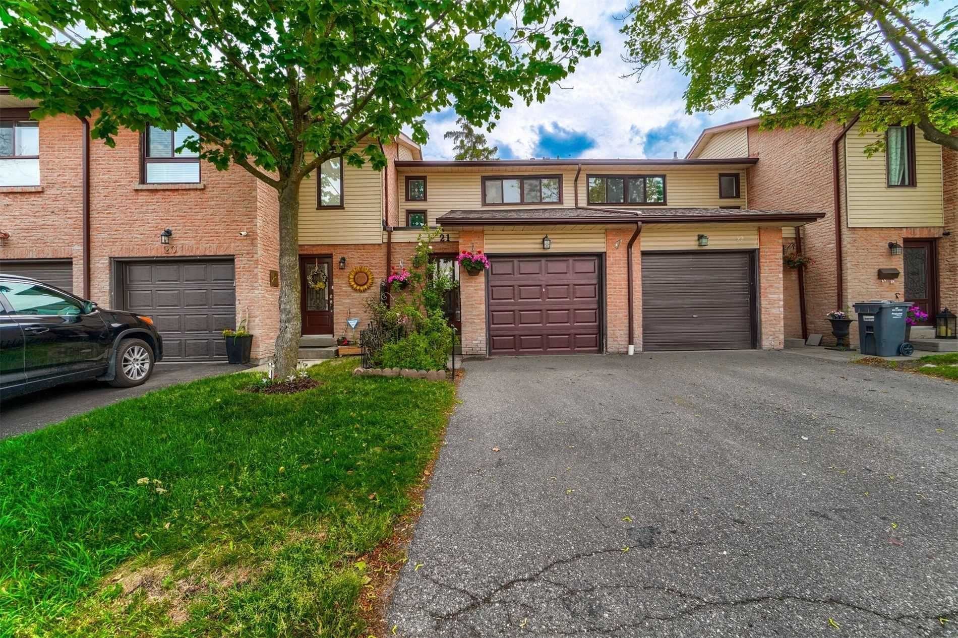 21 Collins Cres, unit null for sale in Toronto - image #2
