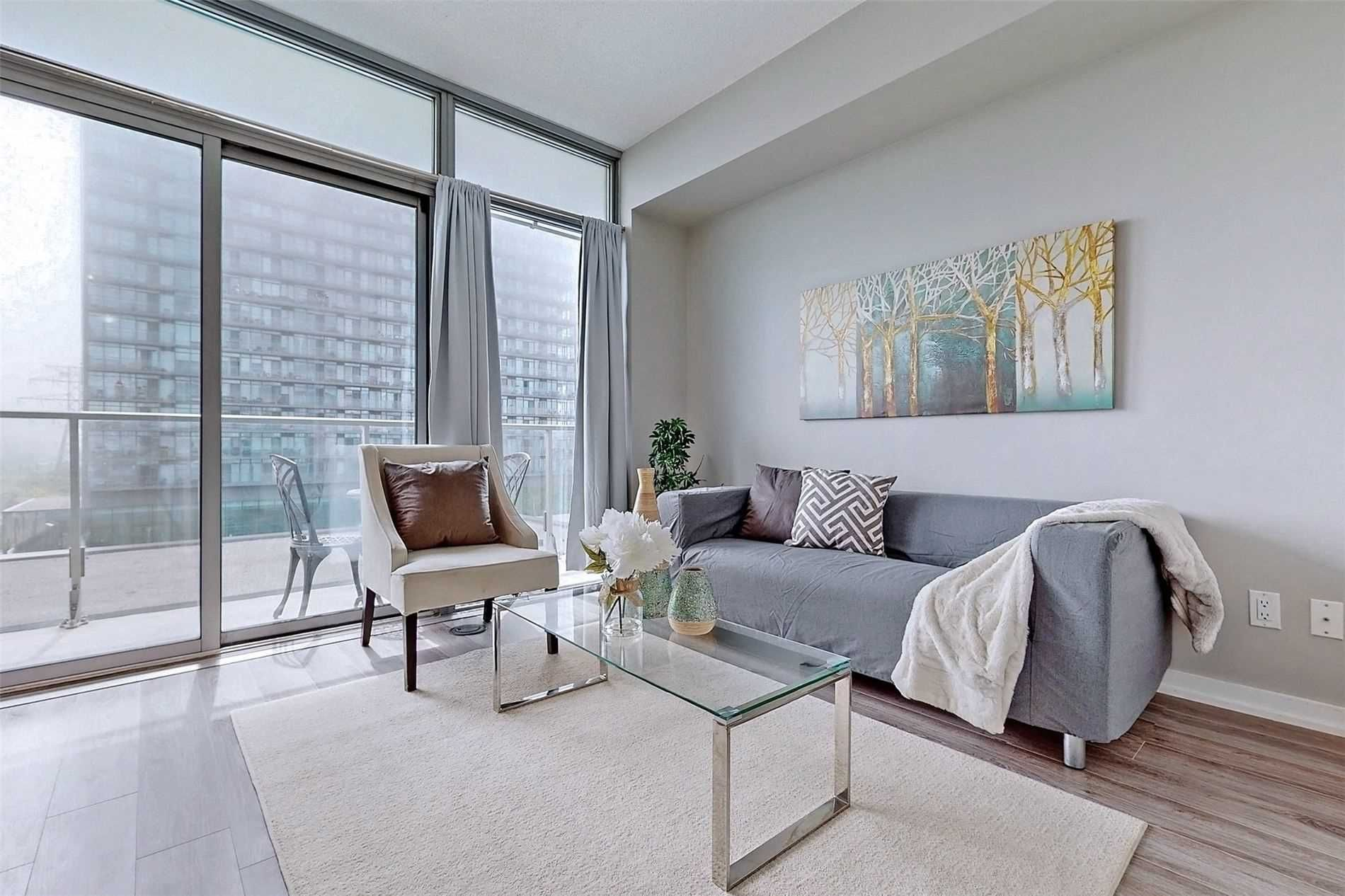 103 The Queensway Ave, unit 406 for sale in Toronto - image #1