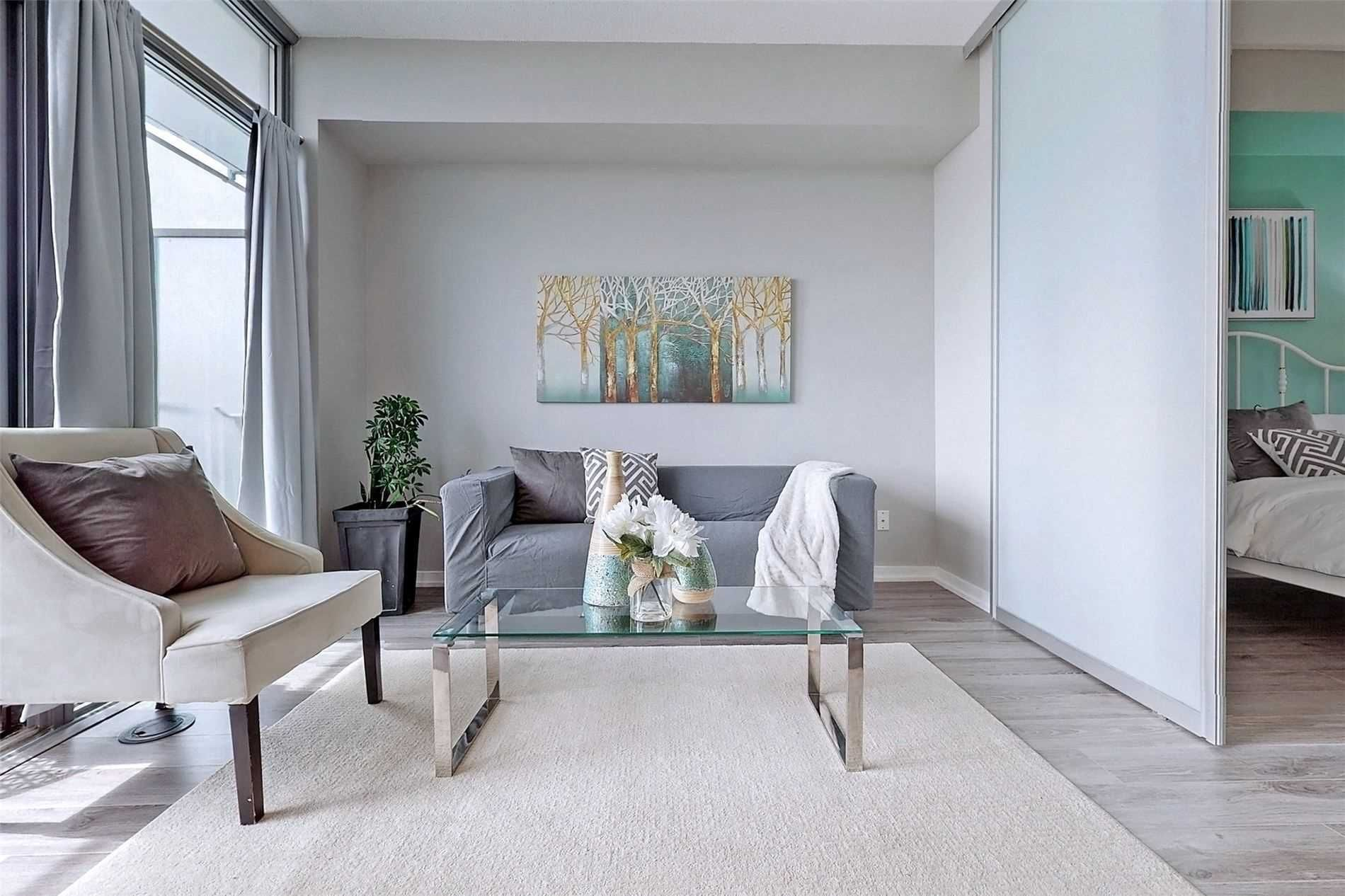 103 The Queensway Ave, unit 406 for sale in Toronto - image #2