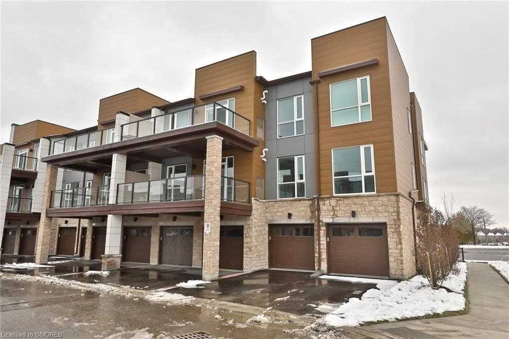 2393 Bronte Rd, unit 201 for rent in Toronto - image #1