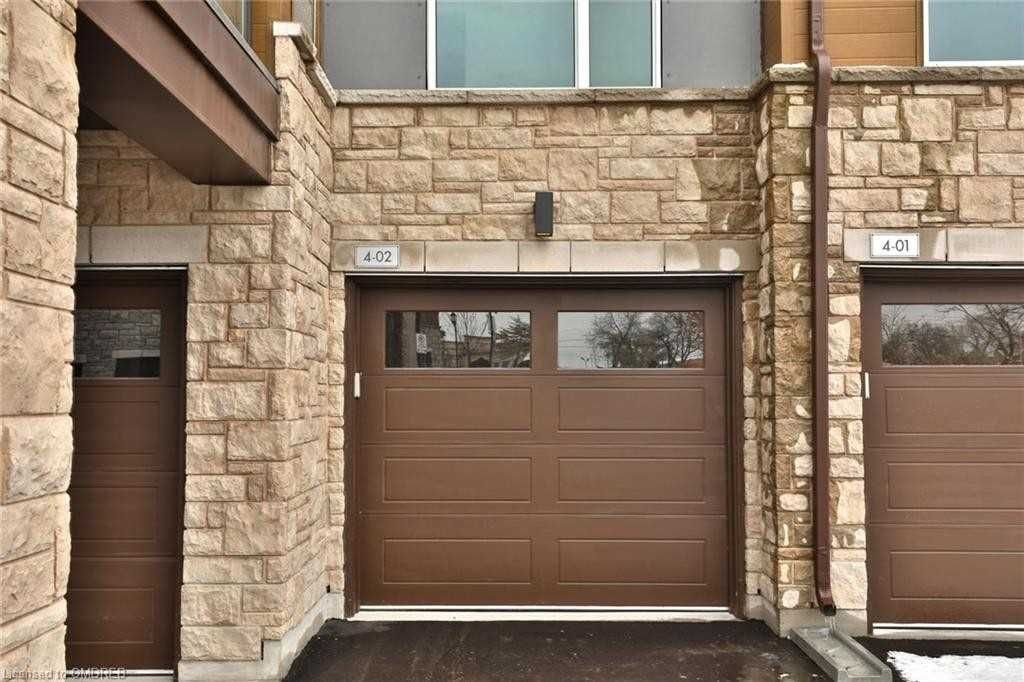 2393 Bronte Rd, unit 201 for rent in Toronto - image #2