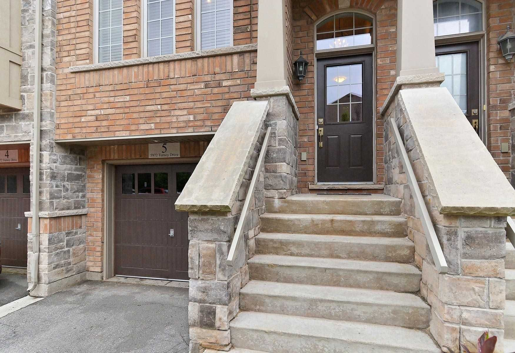 5972 Turney Dr, unit 5 for sale in Toronto - image #2