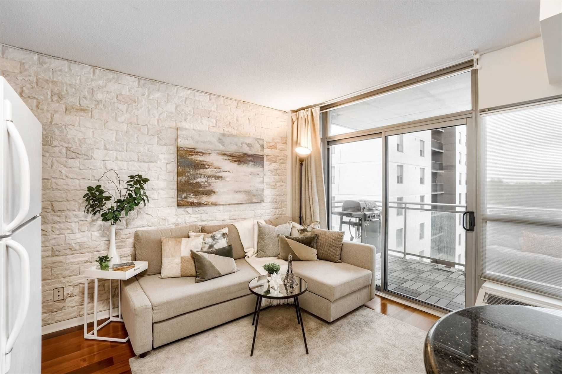 2464 Weston Rd, unit 705 for sale in Toronto - image #2