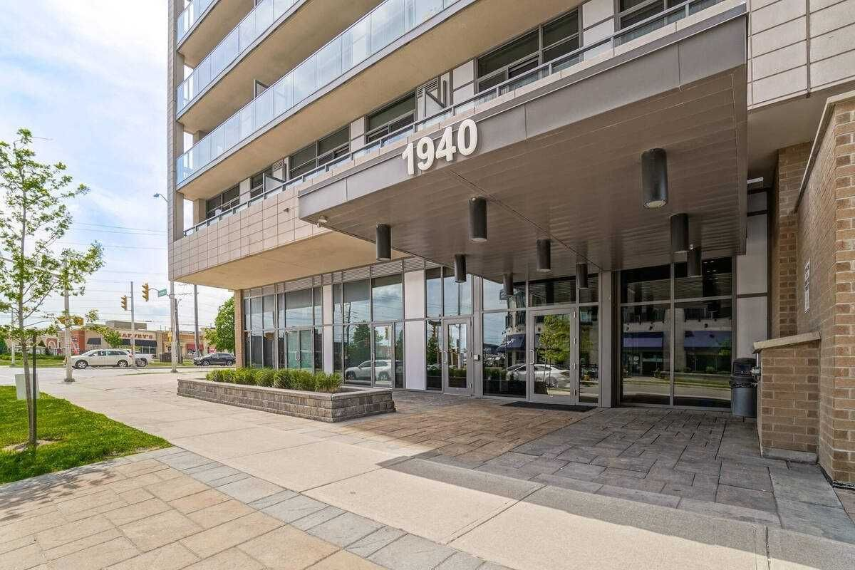 1940 Ironstone Dr, unit 1104 for sale in Toronto - image #2