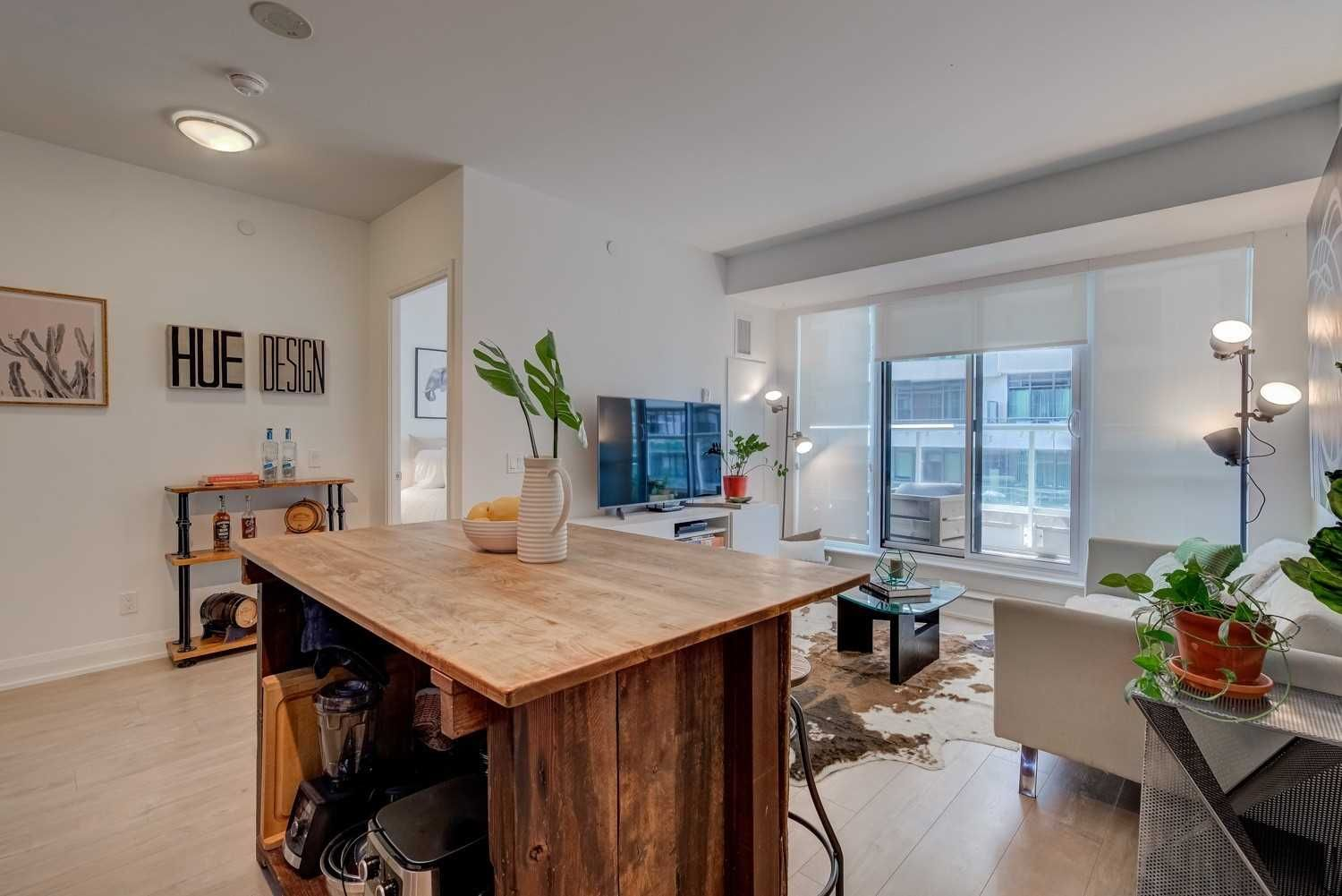 110 Marine Parade Dr, unit 605 for sale in Toronto - image #2