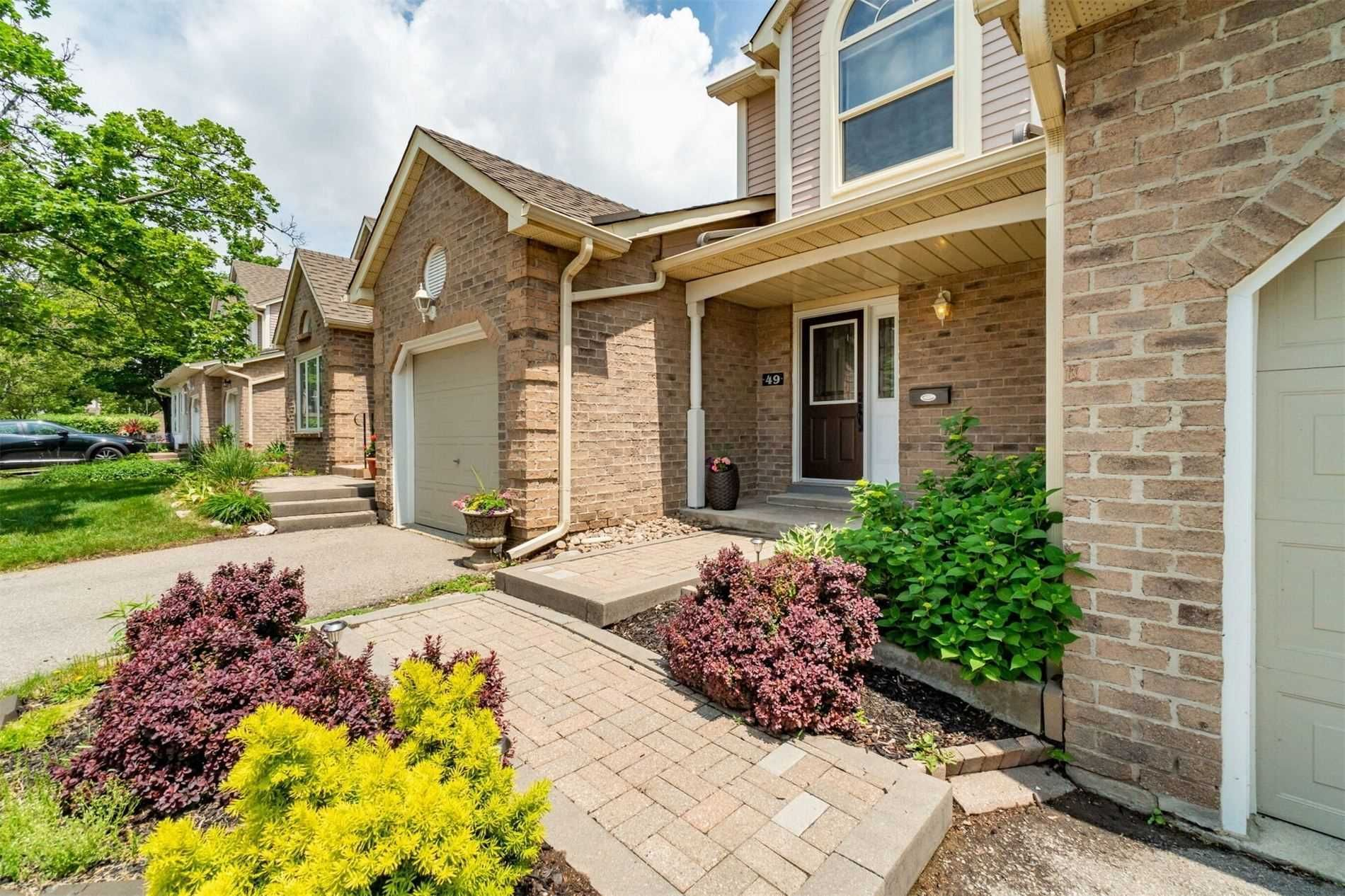 5255 Lakeshore Rd, unit 49 for sale in Toronto - image #2