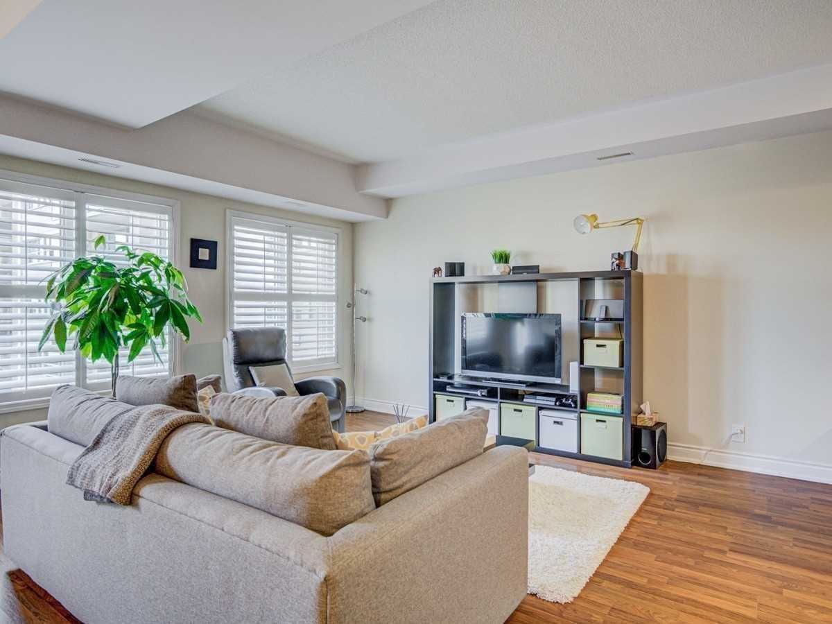 25 Richgrove Dr, unit 218 for sale in Toronto - image #2