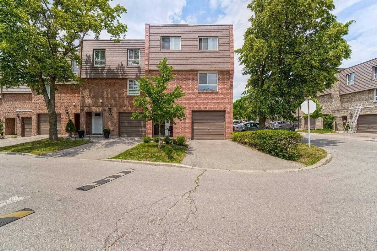 405 Hyacinthe Blvd, unit 81 for sale in Toronto - image #2
