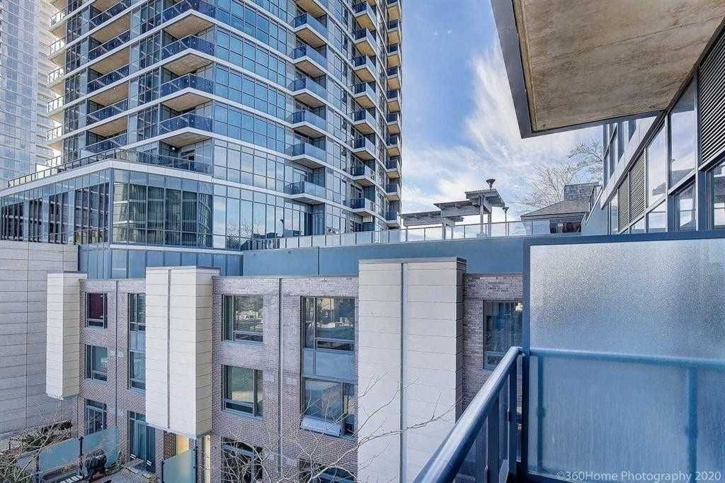 1 Valhalla Inn Rd, unit 304 for sale in Toronto - image #2
