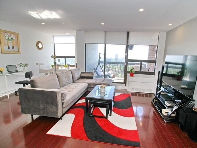 50 Mississauga Valley Blvd, unit 1718 for sale in Toronto - image #1