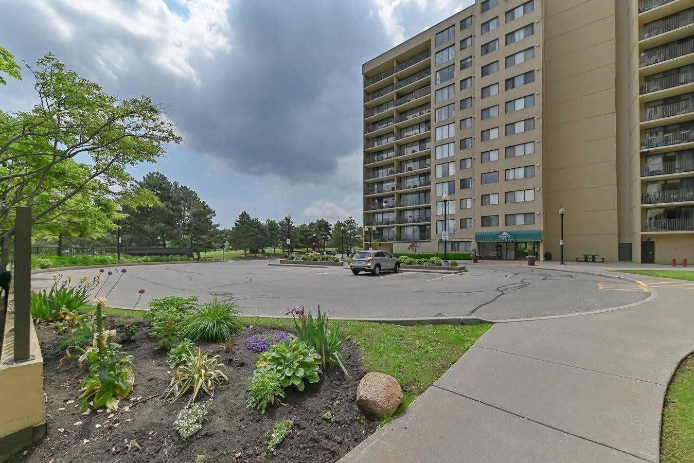 6500 Montevideo Rd, unit 909 for sale in Toronto - image #2