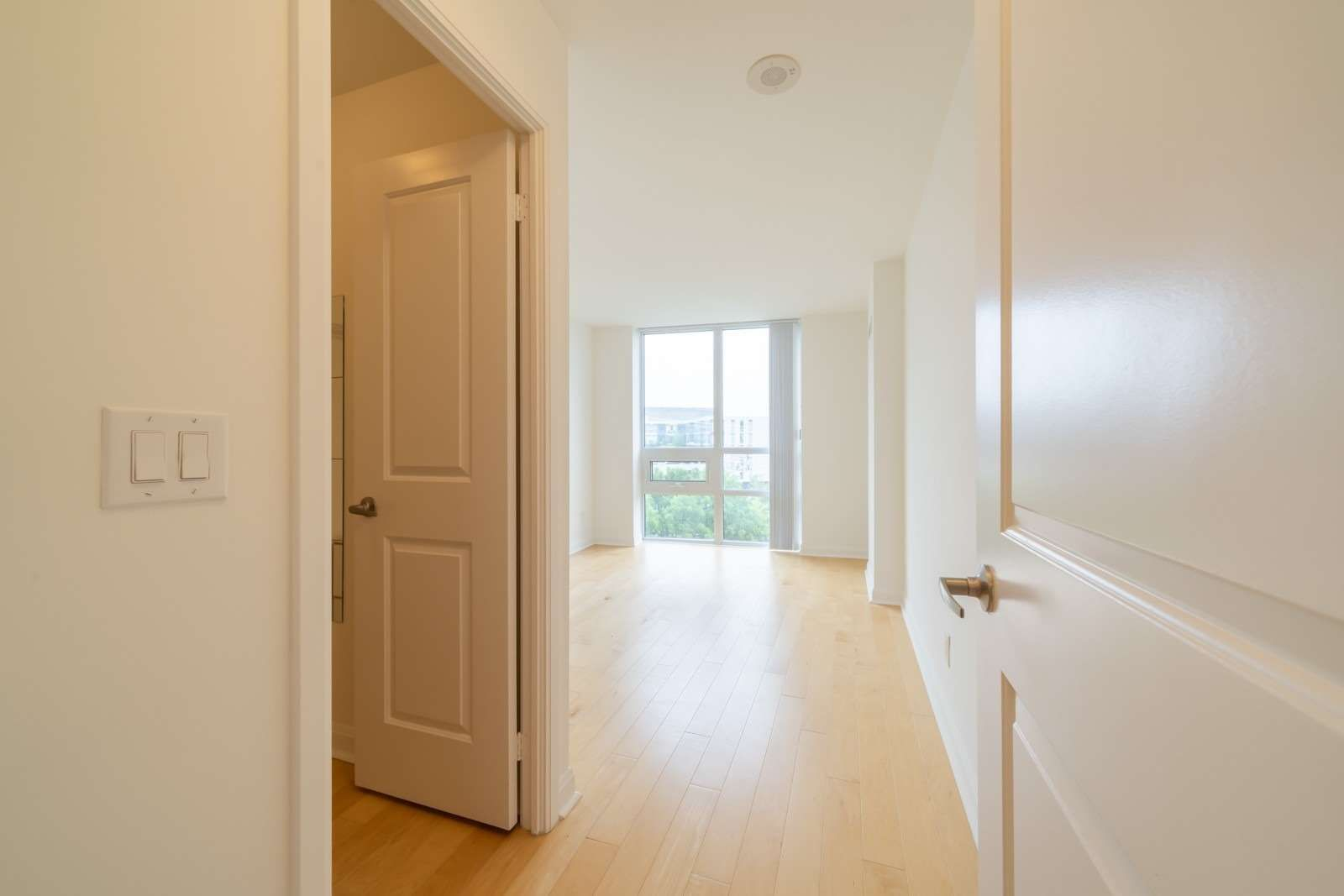 1 Michael Power Pl, unit 406 for rent in Toronto - image #2