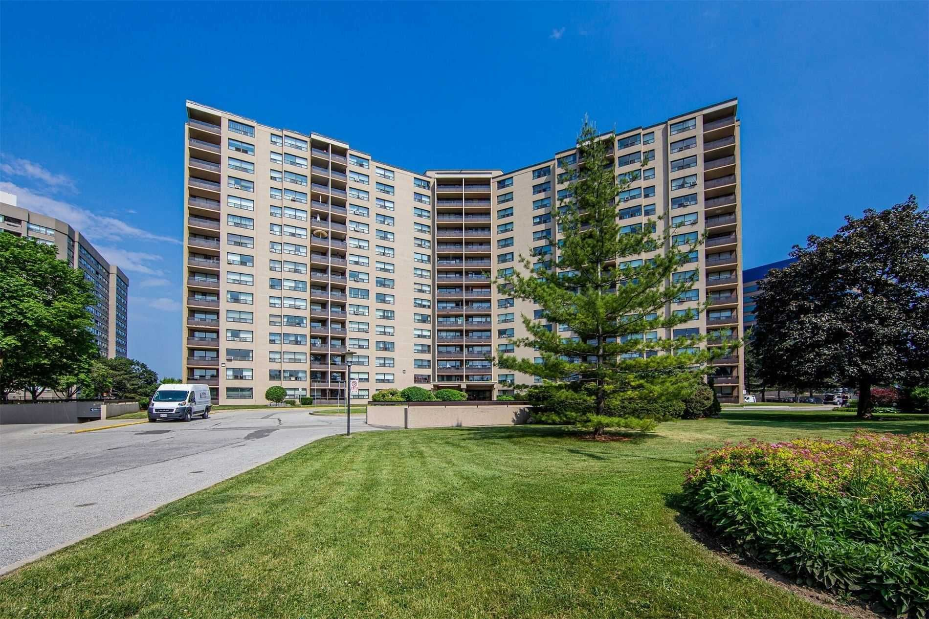 451 The West Mall, unit 214 for sale in Toronto - image #2