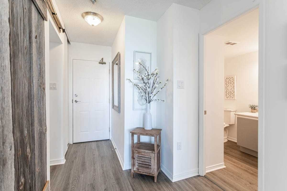 1270 Maple Crossing Blvd, unit 1210 for sale in Toronto - image #2