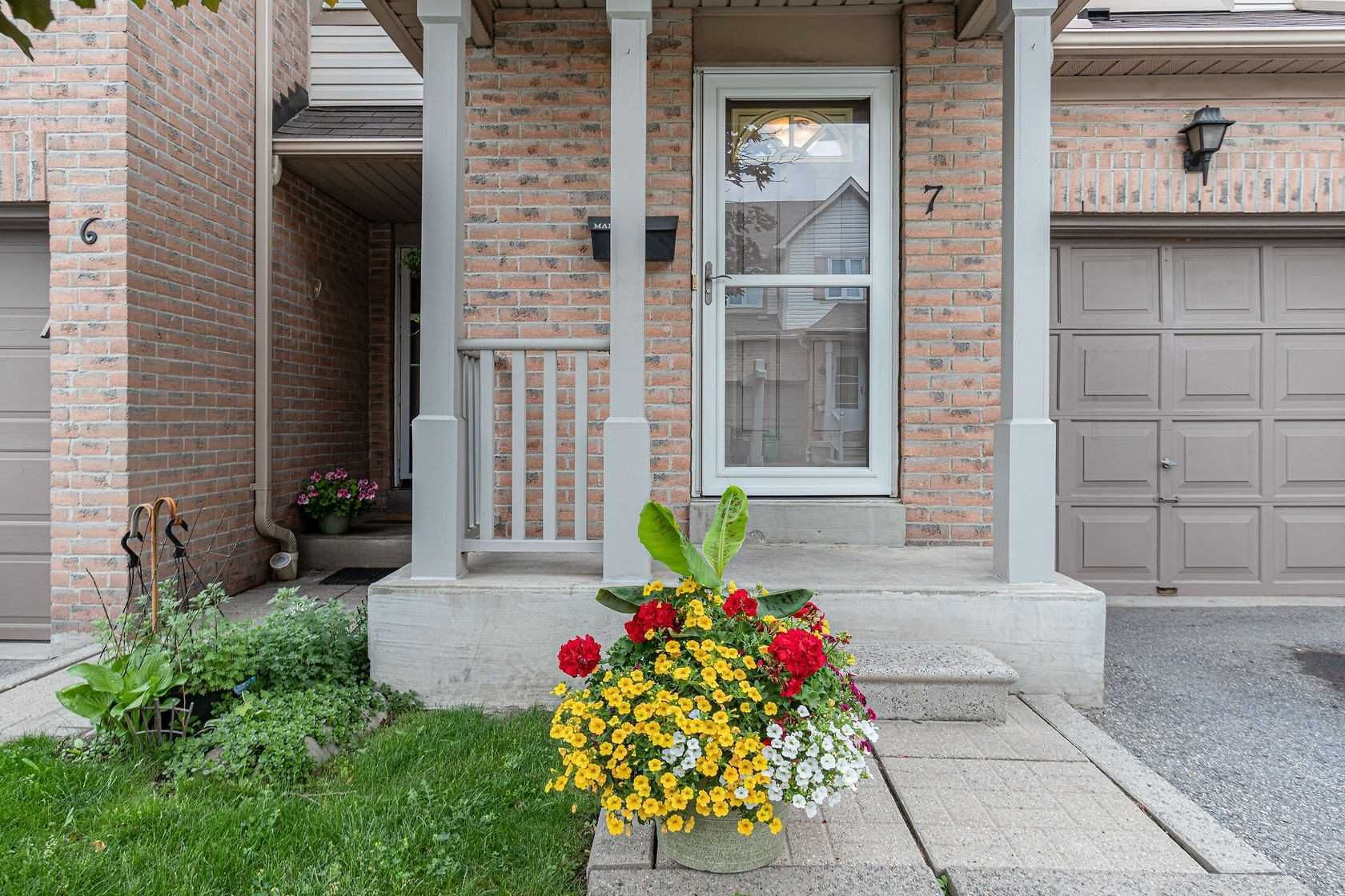 55 Barondale Dr, unit 7 for sale in Toronto - image #2