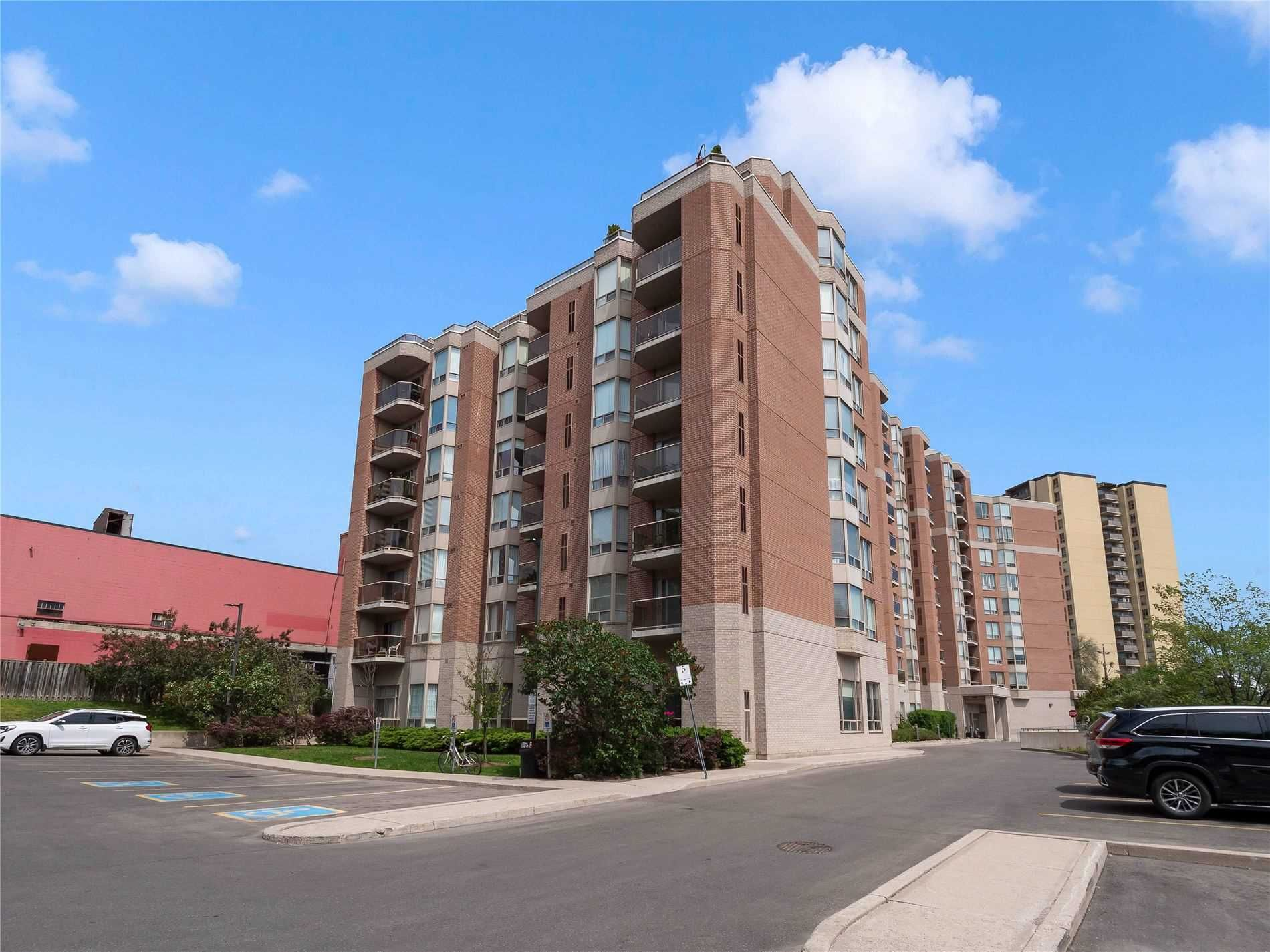 2088 Lawrence Ave W, unit 411 for sale in Toronto - image #1