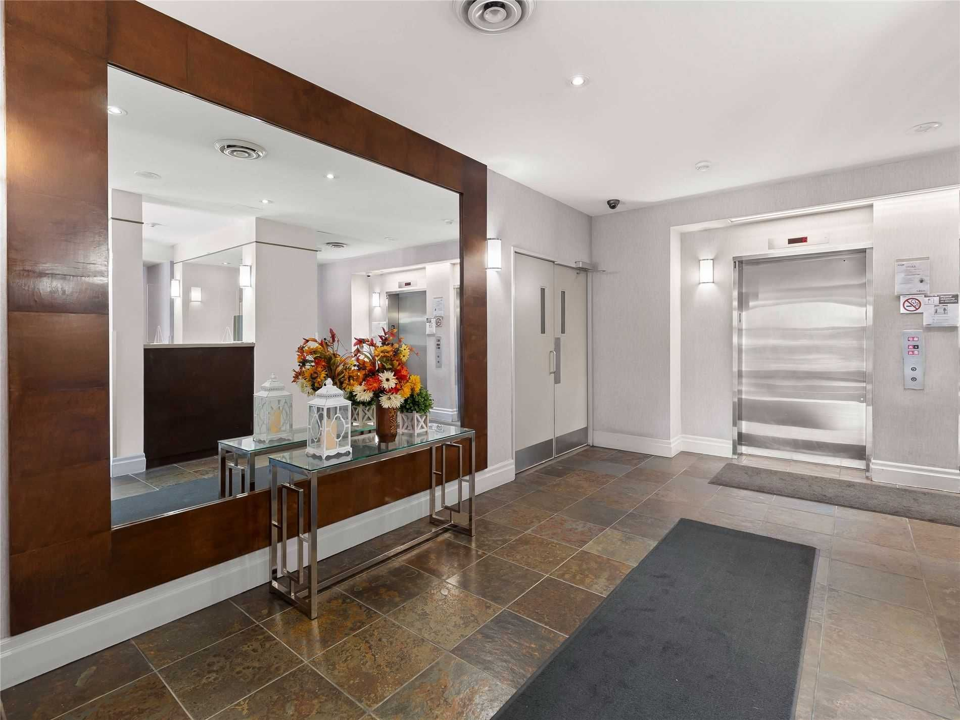 2088 Lawrence Ave W, unit 411 for sale in Toronto - image #2